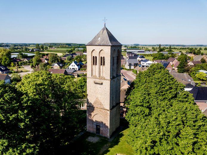 De oude toren in Puiflijk wordt opgeknapt en er komt een klein cultureel centrum in.
