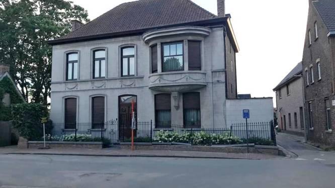 Beschermd dorpsgezicht Hansbekedorp beschadigd door voertuig