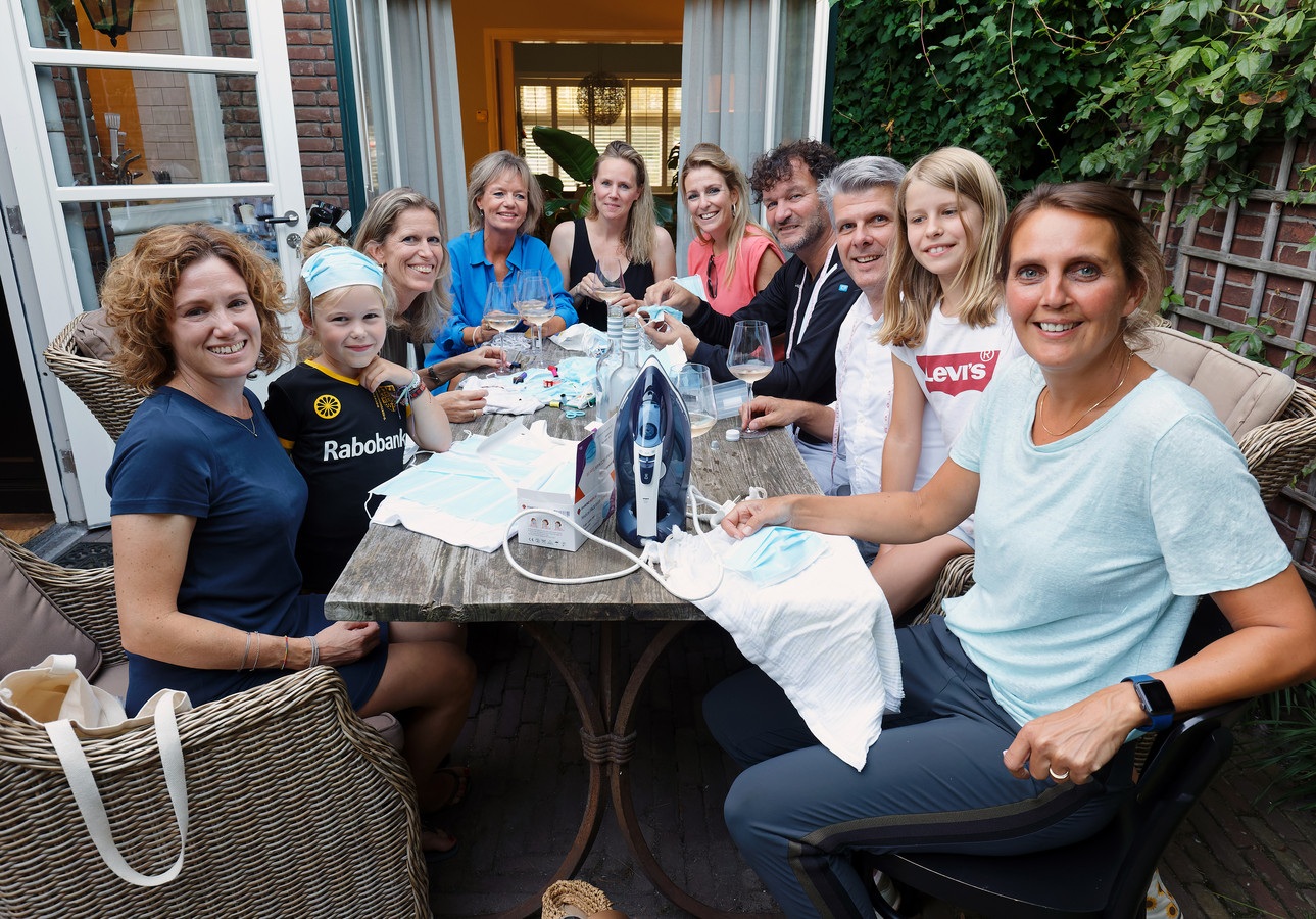 Een deel van het organisatiecomité van het Running Dinner.