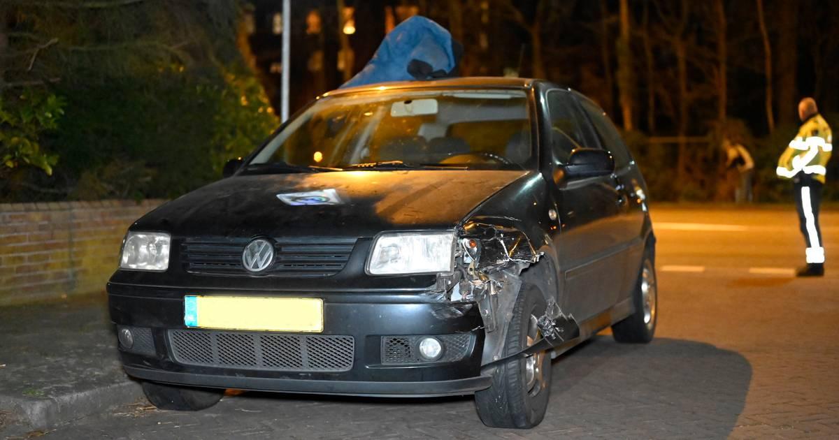 Automobilist vlucht na aanrijding op de Graafseweg in Nijmegen.
