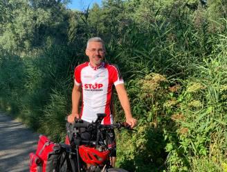 """Dirk fiets 2.100km naar Compostela ten voordele van Parkinson """"Ik haatte fietsen en nu ben ik super fanatiek!"""""""