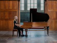 Pianist Lieke (18) brengt haar eerste zelf gecomponeerde minialbum uit