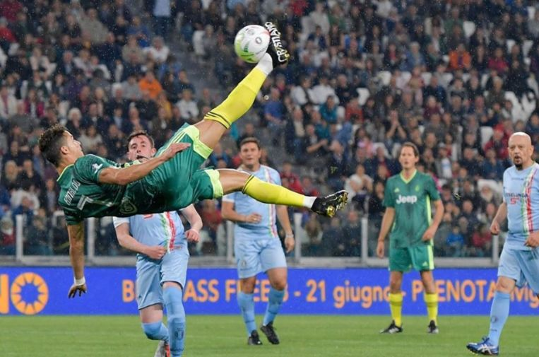 Cristiano Ronaldo is niet vies van een nieuw kunstje.