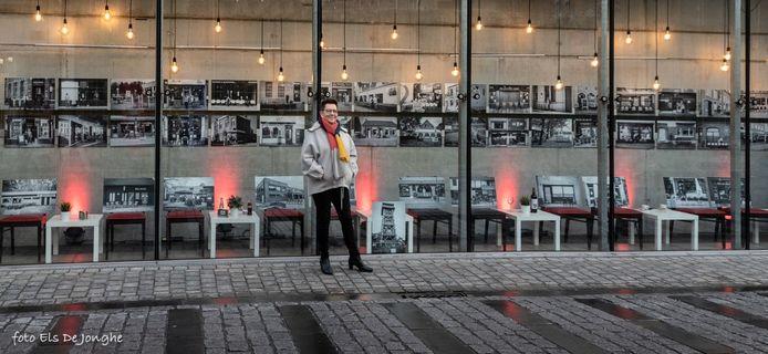 Ann Van Coninckxloey voor haar foto's aan 't Schaliken