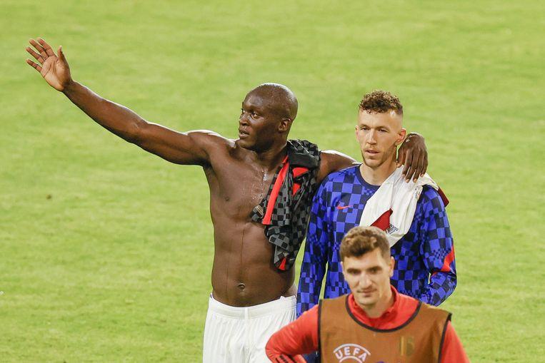 Lukaku wisselde truitjes met Perisic, zijn ploegmaat bij Inter. Beeld BELGA