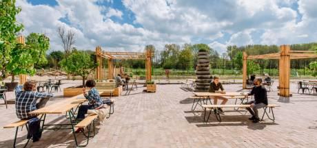Café Noordertuin opent terrasdeuren bij tuincentrum Steck in Overvecht