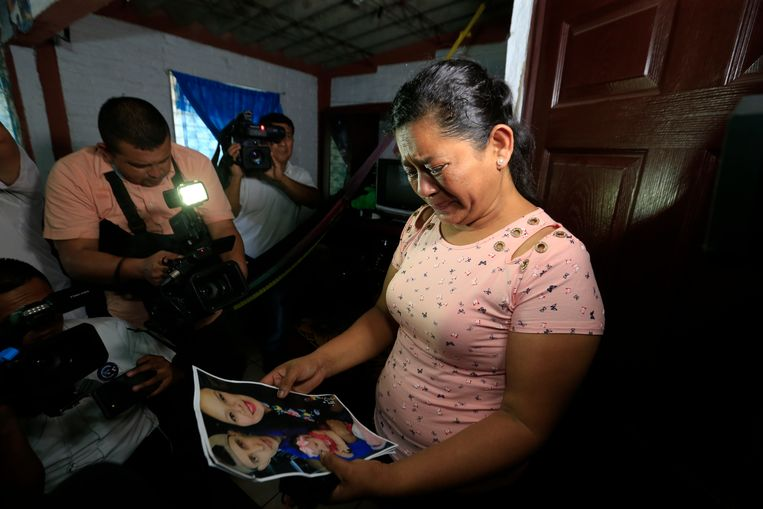 Oma Rosa Ramirez wordt verteerd door verdriet.