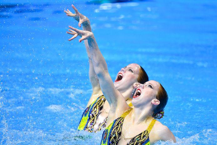 Noortje en Bregje de Brouwer, de synchroonzwemtweeling uit Goirle.