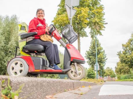 Slalommen langs obstakels in het winkelcentrum met je rolstoel: 'Bedenk hoeveel kracht je moet zetten'