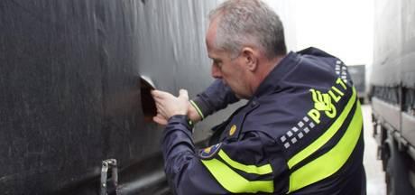 Oplegger gestolen en zeilen vernield bij transportbedrijven in Achterhoek