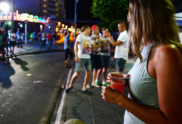 Voor de hulpdiensten in Dunedin is de komst van de feestvierende studenten een hel.