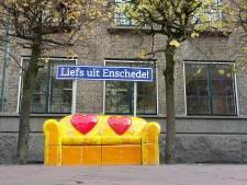 Geen donaties voor boek van kunstenares Beverdam (van het liefdesbankje): zijn wij Enschedeërs cultuurbarbaren?