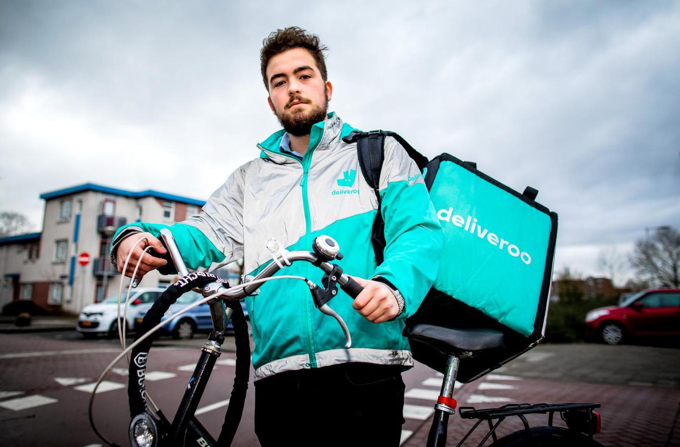 Bezorger Sytze Ferwerda wilde als werknemer blijven bezorgen voor Deliveroo, maar verloor de rechtszaak die hij gesteund door FNV en PvdA had aangespannen