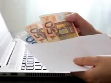 Uitzonderlijk: eerlijke vinder brengt portefeuille met 750 euro terug