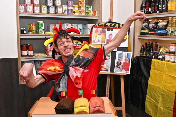 In Marienstede was het enthousiasme ook enorm. Hier poseert bewoner Jan met brood in de Belgische driekleur.