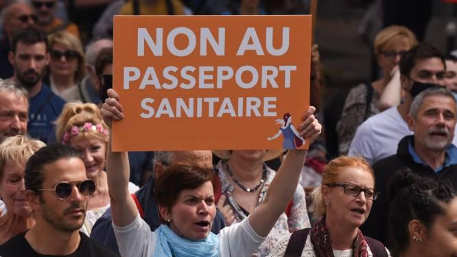 Franse Grondwettelijke Raad stemt in met nieuwe coronamaatregelen: 'pass sanitaire' vanaf maandag verplicht