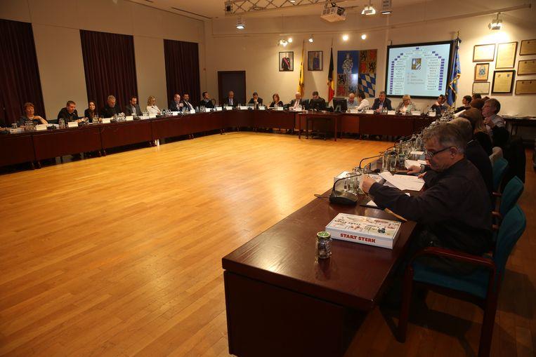 De gemeenteraad in Halle werd voor het eerst live uitgezonden.
