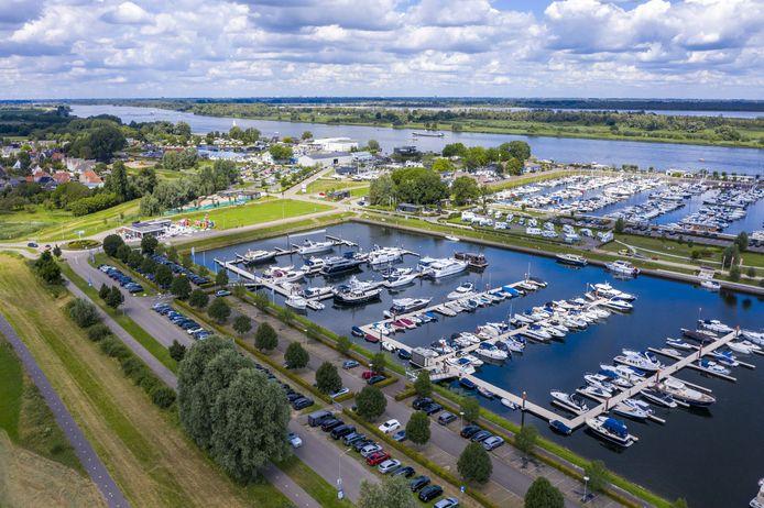Jachthaven Drimmelen aan de Amer bij de Biesbosch.