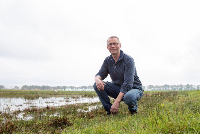 Andre Veldkamp koestert als boer de weidevogels op zijn land met hart en ziel ook al zijn de overlevingskansen van een kuiken minimaal.