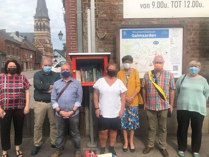 De boekenruilkastjes in Galmaarden werden officieel geopend.