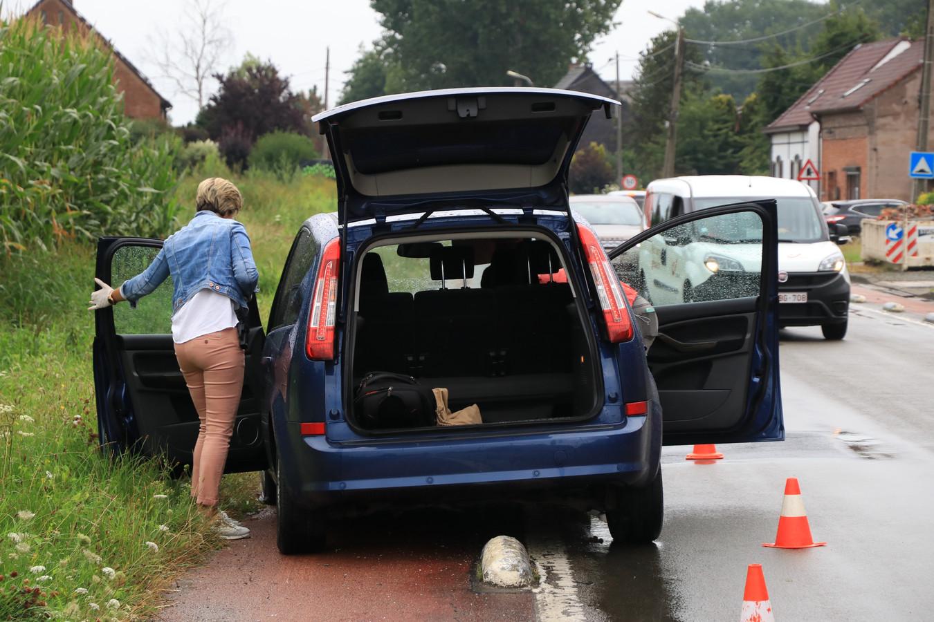 De Ford met Franse nummerplaats crashte in Kruibeke op een varkensrug.