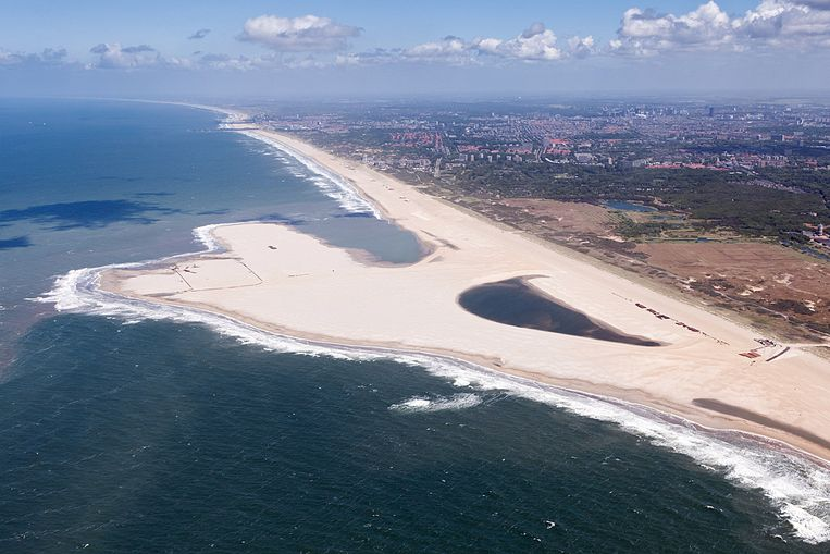 De Zandmotor tussen Kijkduin en Ter Heijde. Beeld AFP