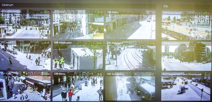 Op de camera's kan het team zien hoe druk het is.