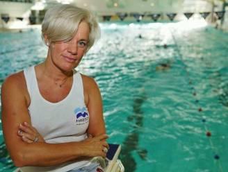 """Zelfstandig zwemcoach moet 10.000 euro aan steunmaatregelen terugbetalen omdat ze niet over eigen leslokaal beschikt: """"Onbegrijpelijk, ik huur al 15 jaar banen in het zwembad af voor mijn lessen"""""""