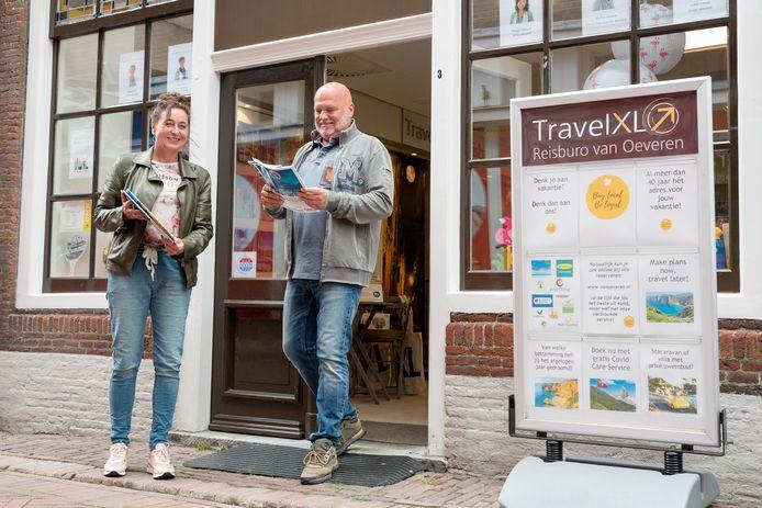 Sabine en Marco Salm gaan op reis en boeken bij Travel XL van Oeveren Reizen op de Dam Zierikzee.