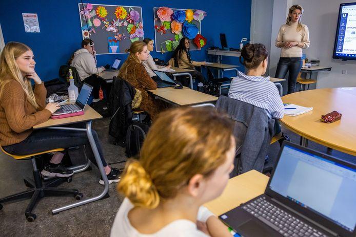 Janneke Schapendonk mocht deze week weer. 'Als docent sta je toch het liefste voor de klas'.