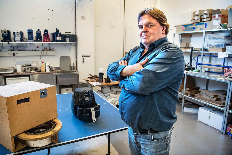 Fred van der Weij, uitvinder van de airfryer van Philips. Beeld Guus Dubbelman / de Volkskrant