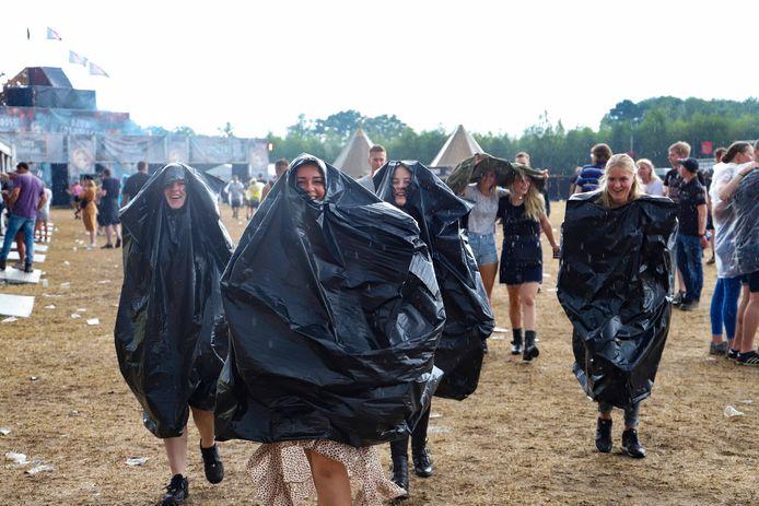 Poncho's op het festivalterrein