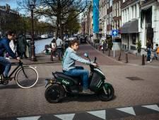 Amsterdam staat honderden nieuwe deelscooters toe