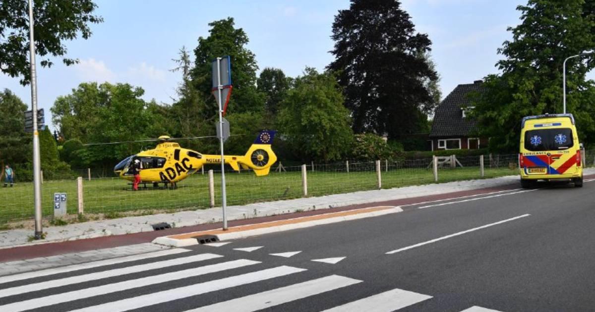 Traumahelikopter opgeroepen na ongeluk op rotonde in Den Ham.