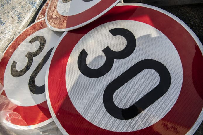 30 kilometer-borden