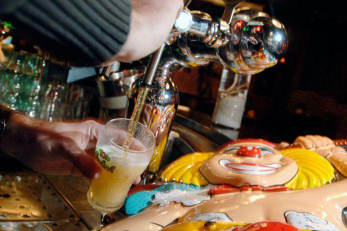 De bierprijs stijgt in Eindhoven met carnaval boven de 3 euro-grens.