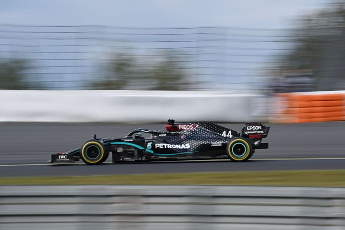 TOPSHOT - Mercedes' British driver Lewis Hamilton competes during the German Formula One Eifel Grand Prix at the Nuerburgring circuit in Nuerburg, western Germany, on October 11, 2020. (Photo by Ina Fassbender / POOL / AFP)