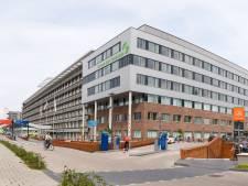 Luid applaus: coronapatiënt van het eerste uur verlaat na 104 (!) dagen het Groene Hart Ziekenhuis in Gouda