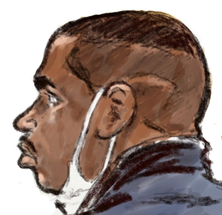 Rechtbanktekening van Alexio F. voor de rechtbank. Samen met Yamanney A. (L) wordt hij verdacht van het doodsteken van drillrapper Jay-Ronne Grootfaam.  Beeld ANP