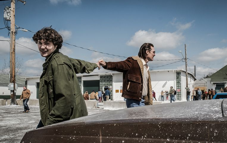 Richie Merritt (White Boy Rick) en Matthew McConaughey (Richard Wershe Sr.) in White Boy Rick. Beeld eenmalig K2 - filmbeeld