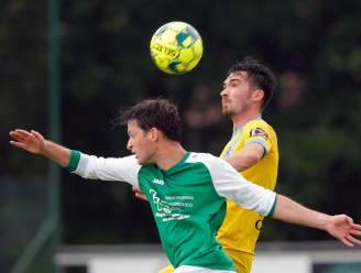 """Thomas Zwart (Lochristi) blijft nuchter na vier treffers tegen Sint-Denijs: """"Goals tellen pas echt in competitie"""""""