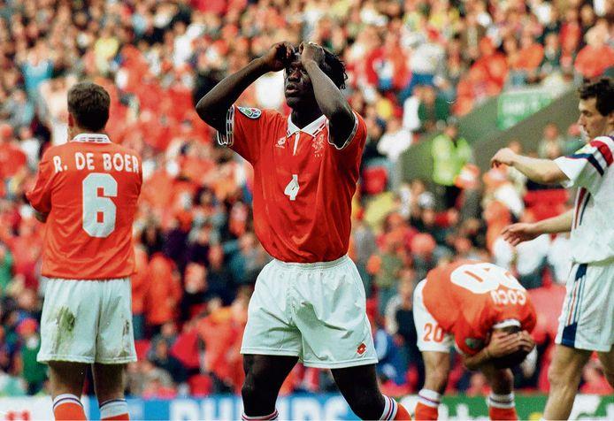 EK 96. kwartfinale, Nederland-Frankrijk. Clarence Seedorf is de wanhoop nabij.