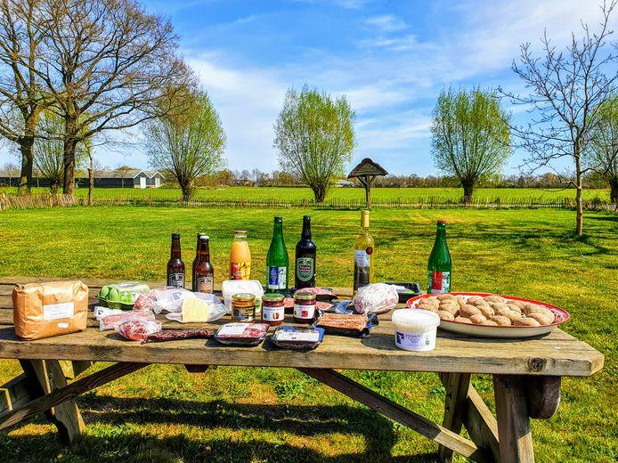 De Boerbox XL van UitVeluwe telt producten van elf ondernemers die allemaal voldoen aan het 'Erkend Veluwe'-keurmerk.