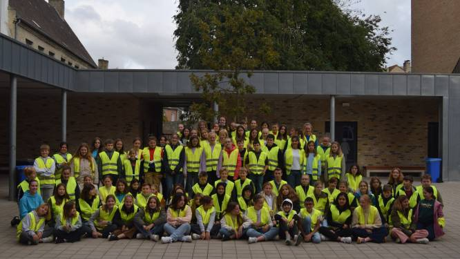 Fluohesje voor eerstejaars campus Annuntiata: op naar nul verkeersdoden