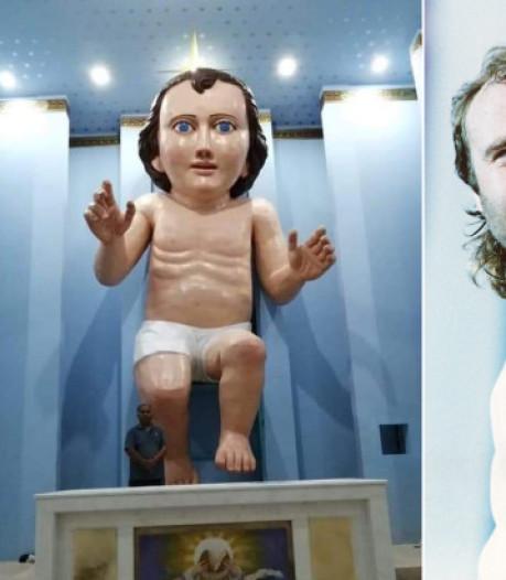 Mexicaanse kerk zet Jezusbeeld neer dat op Phil Collins lijkt