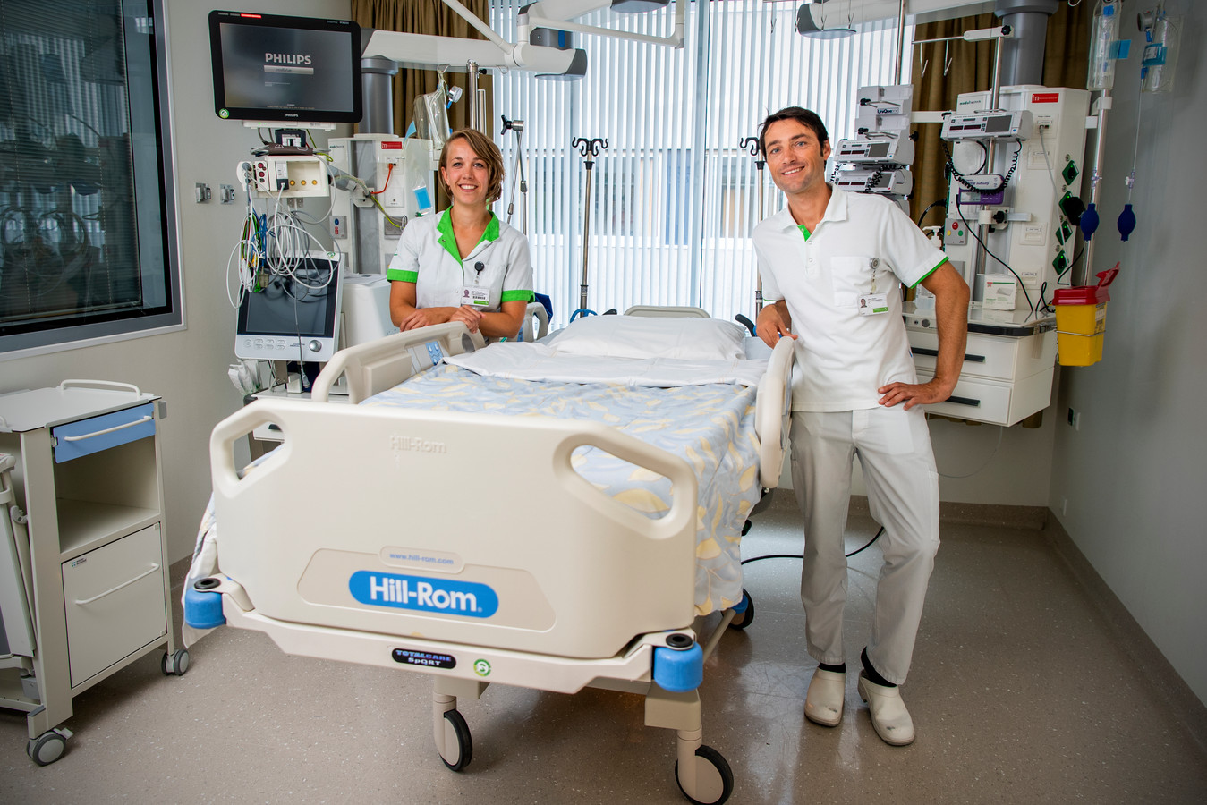 Er zijn verpleegkundigen opgeleid om bij een tweede corona uitbraak te helpen op de IC van het Groene Hart Ziekenhuis - Jeroen Boom en Marieke den Besten.