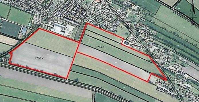 Het uitbreidingsplan voor Rouveen, met rechts langs de Oude Rijksweg de eerste fase van zes hectare.