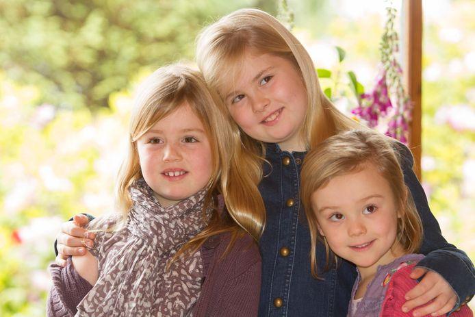 Prinsesjes Alexia, Amalia en Ariane vieren kerst in Argentinië in 2012.