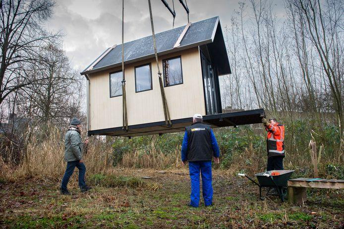 Echte huizen mogen er niet komen in het buitengebied, maar in de plaatsing van kleine huisjes ziet wethouder Jacqueline van Dongen van Zwijndrecht niet zo'n probleem.