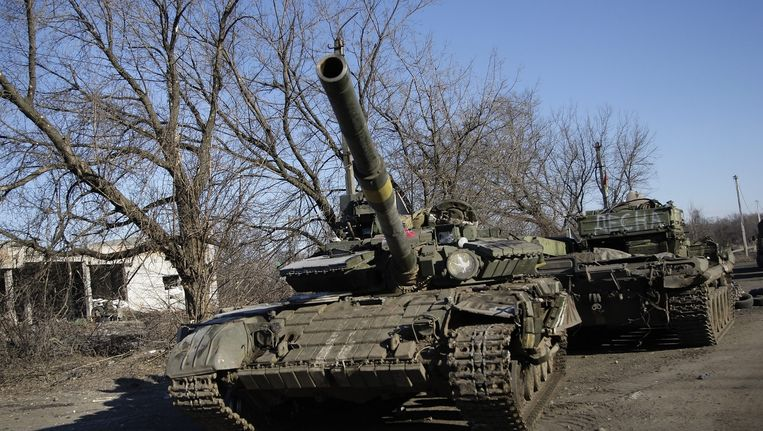 Tanks van pro-Russische separatisten bij Debaltseve. Beeld epa